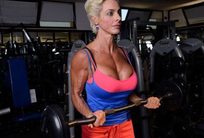 EZ bar biceps curl